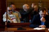 """Wyroki za zakłócanie wykładu prof. Baumana. Krzyki z sali: """"To hańba!"""" (FILM, FOTO)"""