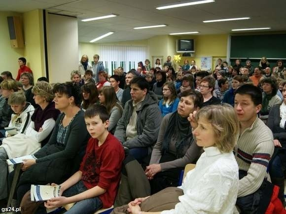 Tłumy podczas dnia otwartego Niemiecko-Polskiego Gimnazjum w Loecknitz są bardzo wymowne. Nasi rodzice chcą tu posyłać swoje dzieci
