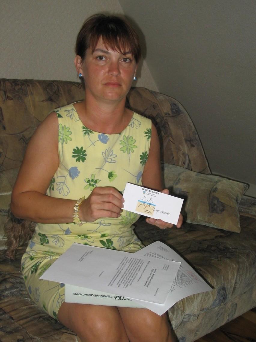 - To jedyne oficjalne zaproszenie jakie otrzymałam na biegi imienia mojego męża - pokazuje Agnieszka Marzec. Dziś odbędzie się już szósta edycja zawodów.