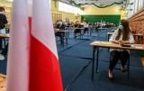 Matura 2021. Ponad 150 alarmów bombowych podczas matur w województwie śląskim. Fałszywe wiadomości przychodziły do szkół