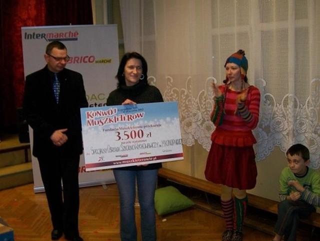Specjalny Ośrodek Szkolno-Wychowawczy im. Marii Konopnickiej dostał 3500 zł od właściciela Intermarché z Kluczborka