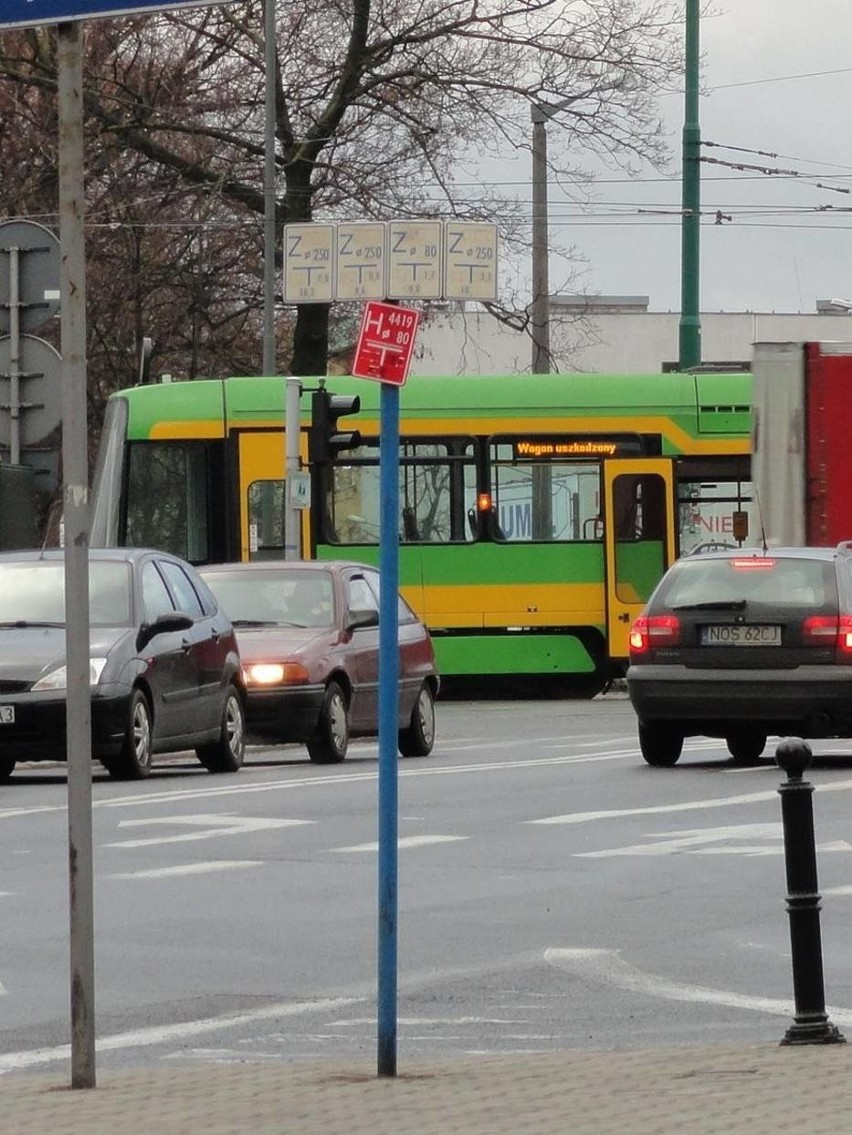 Poznań: Awaria tramwaju na skrzyżowaniu ul. Królowej Jadwigi i Górnej Wildy