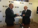 8 milionów na teleopiekę dla wrocławskich seniorów. Umowa podpisana