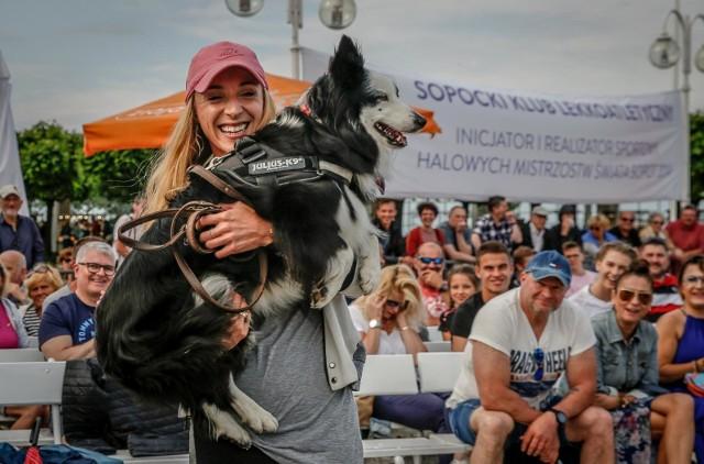 Angelika Cichocka z ukochaną suczką Tajgą