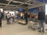 Tłumy w Ikei w Katowicach. Przed kasami ustawiały się ogromne kolejki. Tłoczno było również na parkingach. Zobaczcie zdjęcia