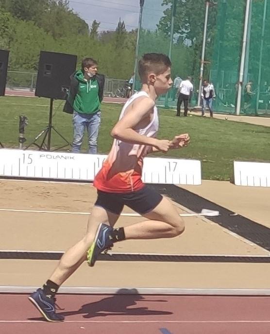 Lekkoatleci z LKS Koluszki na 1. Mityngu Łódzkiego Okręgowego Związku Lekkiej Atletyki w Łodzi