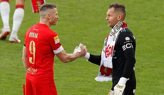 Marcin Robak i Arkadiusz Malarz mogą sobie podać ręce - ich kluby grają słabo