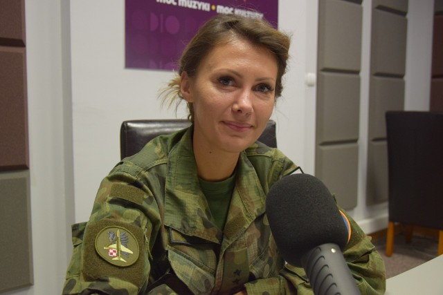 Kapitan Magdalena Busz, rzecznik Air Show.
