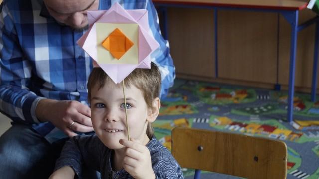 """W trakcie Święta Origami został rozstrzygnięty XII Regionalny Konkurs ,,Mistrz Origami"""", w którym udział wzięły dzieci z przedszkoli i szkół podstawowych z całego regionu."""