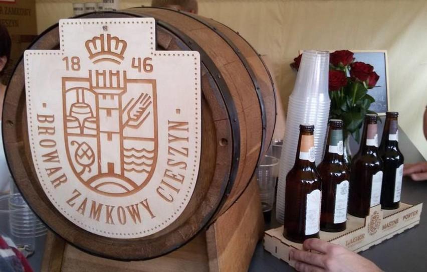Browar Zamkowy w Cieszynie został założony w 1846 roku. Ma bogatą historię i tradycję warzenia piwa. Przesuwaj gestem lub za pomocą strzałki, by zobaczyć kolejne zdjęcie