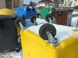 Mieszkańcy Starachowic oburzeni bałaganem w miejscach zbiórki odpadów segregowanych. Zobaczcie zdjęcia