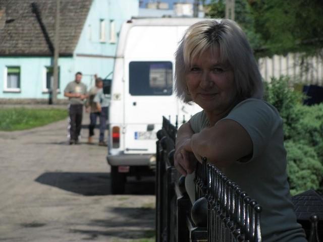 - Od dziesięciu lat zalewa mi piwnicę - mówi Krystyna Paszkowska z ul. Willowej. Wkrótce ma się to zmienić.