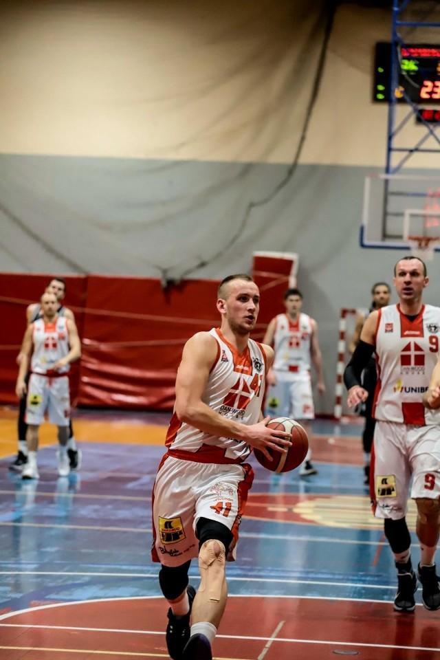 Koszykarze Tura pewnie wygrali u siebie z Sokołem Ostrów Mazowiecka