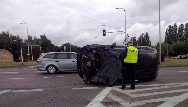 Wypadek na rondzie w 2014 roku.