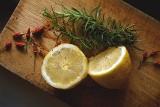 Naturalne sposoby na zdrowe nerki. Zobacz, jakie produkty warto jeść i pić