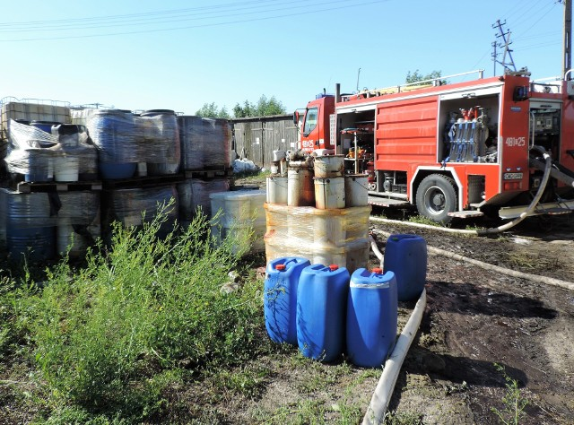 Nikt nie wie, co zgromadzono we Wszedniu. Nie wszystkie zbiorniki były oznakowane. Jednak komendant straży zaprzecza, że znajdowano w czasie akcji ludzkie szczątki