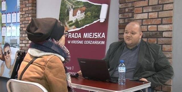 Na pomysł z mobilnymi dyżurami radnych wpadł, zasiadając jeszcze w krośnieńskiej radzie, Radosław Sujak - obecny wiceprezydent Gorzowa Wlkp.