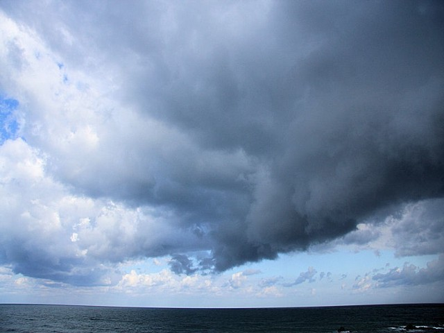 W weekend będzie wiało i padało.
