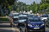 Uwaga! Korek na DK86 w Katowicach. To skutek kolizji czterech samochodów.