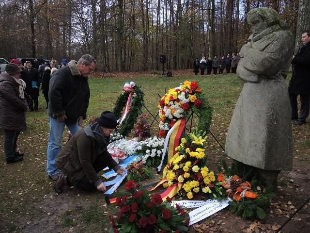 Niemiecki Narodowy Dzień Pamięci na cmentarzu wojennym na wzgórzu Golm w Kamminke koło Świnoujścia przypadł w tym roku w niedzielę 17 listopada.
