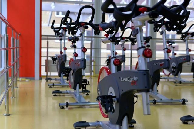 Rząd wydaje wytyczne dla branży fitness i otwiera siłownie. Kto będzie mógł korzystać z siłowni?