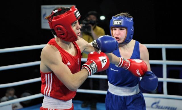 Paweł Sulęcki w swojej pierwszej walce na Młodzieżowych Mistrzostwach Świata w boksie w kategorii 60 kilogramów pokonał groźnego Ukraińca, Hennadi Maslennikova.