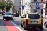 Na ulicy Hipotecznej w Kielcach kierowcy wjeżdżają pod prąd. Nie zmieniono oznakowania