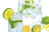 Jakie napoje najlepiej gaszą pragnienie i nie są kaloryczne?