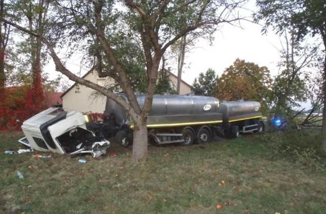Około 5 rano, w poniedziałek, na drodze krajowej numer 92 doszło do zderzenia samochodów. Nie żyje jedna osoba.