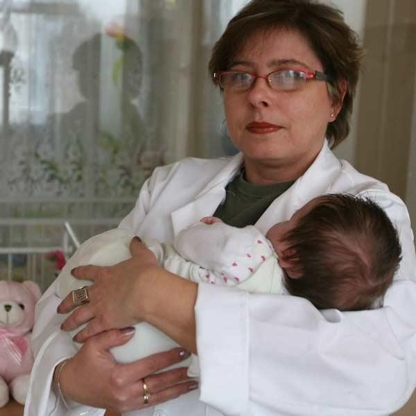 Urszula Polanowska: Dawid to mały pieszczoch. Jeśli jego biologiczna matka nie zmieni zdania wkrótce trafi w ramiona kochającej, adopcyjnej mamy.