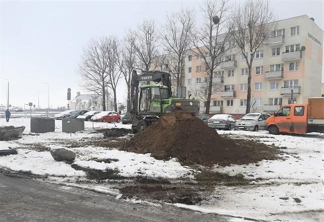 U zbiegu Wojska Polskiego i Szarych Szeregów w Inowrocławiu powstaje parking z miejscami na 23 pojazdy