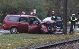 Słupy są niepozorne, a śmiertelnie niebezpieczne dla kierowców. Czy doczekamy się zmian w prawie?