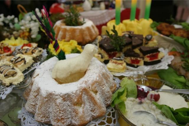 Jak udekorować stół na Wielkanoc? Sprawdź!
