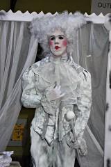 Ulice Chełmna kolejny raz ożywiły... posągi. Piękne! [zdjęcia]