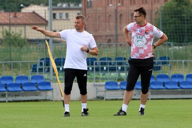 Na zdjęciu I trener Motoru Mirosław Hajdo (z lewej) i jego asystent Tomasz Jasik.