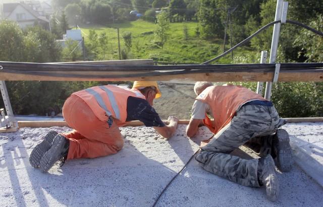 Najczęstszym benefitem oferowanym pracownikom branży budowlanej jest prywatna opieka medyczna.