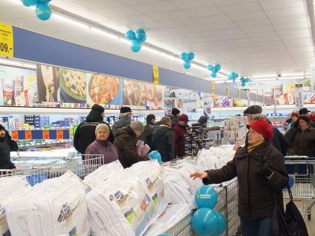 Tłumy na otwarciu nowego sklepu Lidl w Starachowicach (zdjęcia)Otwarcie drugiego Lidla w Starachowicach.