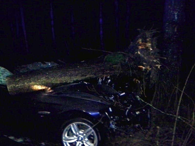 Dwie osoby zostały ranne w wypadku bmw, do jakiego doszło w miejscowości Nowosiółki na trasie Kleszczele - Milejczyc.