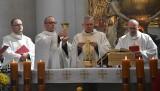 Wielka Niedziela - uroczystość Zmartwychwstania Pańskiego w sanktuarium na Świętym Krzyżu [ZAPIS TRANSMISJI, AKTUALIZACJA, ZDJĘCIA]
