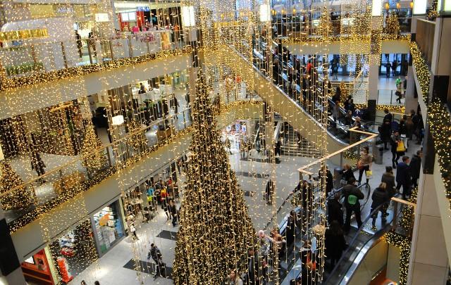 Ponad połowa polskich kupujących co najmniej raz kupiła świąteczny prezent online.