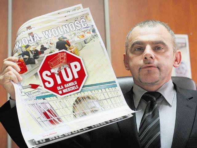 Alfred Bujara z NSZZ Solidarność, który kieruje portalem hiperwyzysk.pl, wcześniej walczył też m. in. o wolne niedziele dla pracowników handlu