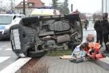 Wrocław: Wypadek na al. Piastów. Toyota po zderzeniu z oplem na boku. Kierująca pijana