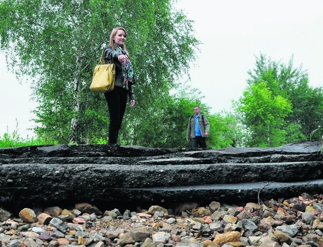 """Po powodzi nie da się dojechać do mostu """"Bronisław"""""""