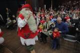 Dzieci były zachwycone spotkaniem ze świętym Mikołajem z Rovaniemi w Koziegłowach [ZDJĘCIA]