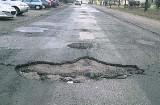Pół tysiąca ton asfaltu poszło w dziury