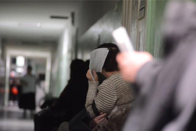 Lekarze mają dość niesolidnych pacjentów. Gdyby wszyscy przychodzili na wizyty w ramach NFZ, to kolejki udałoby się skrócić o 40 proc.