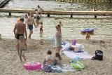 Gorący piątek nad zalewem w Golejowie. Relaks na plaży i harce w wodzie [WIDEO, ZDJĘCIA]