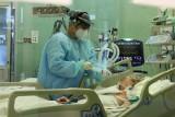 Koncentratory tlenu? Polacy szturmują hurtownie medyczne. Chcą leczyć się w domach