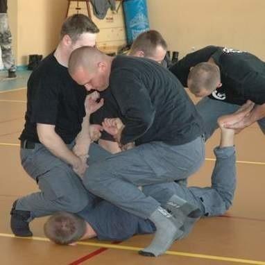 Ćwiczenia w nyskim więzieniu.