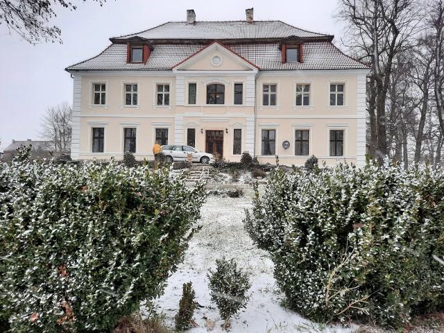 Pałac w Chichach ma niezwykłą historię. Także tę najnowszą z Leną Brudzińską w roli głównej